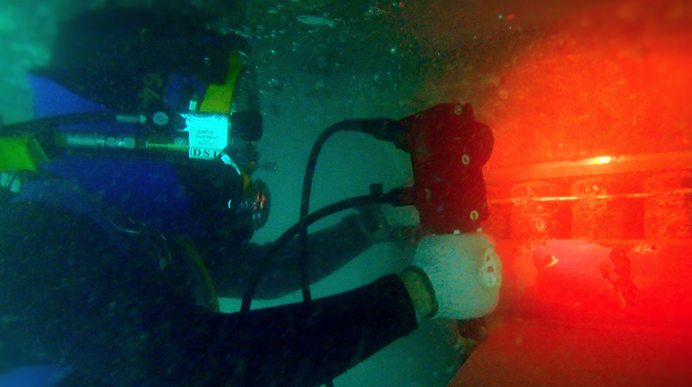 Trained Professionals to provide detailed assessment of underwater structures.